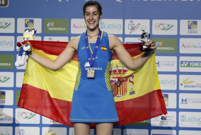 Carolina Marín celebra su victoria en el Europeo celebrado en Huelva.