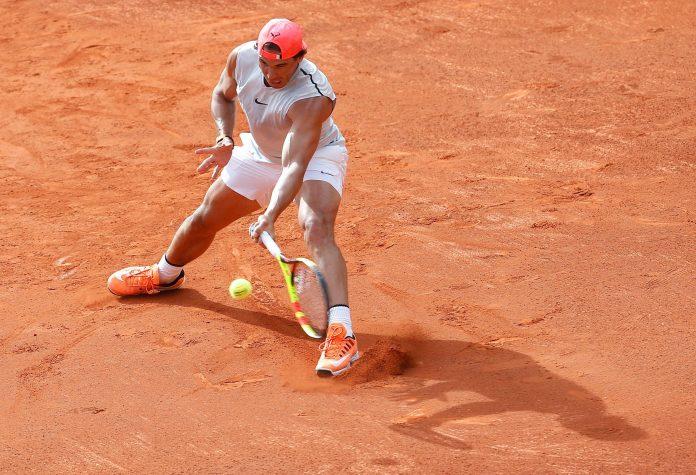 El jugador del equipo español de Copa Davis durante el entrenamiento en la Plaza de Toros de Valencia.