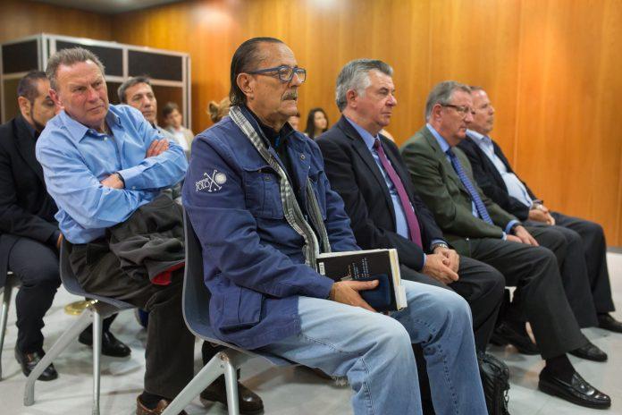 El exalcalde de Marbella, Julián Muñoz (i) y el exasesor de urbanismo marbellí Juan Antonio Roca (2d), en el juicio.