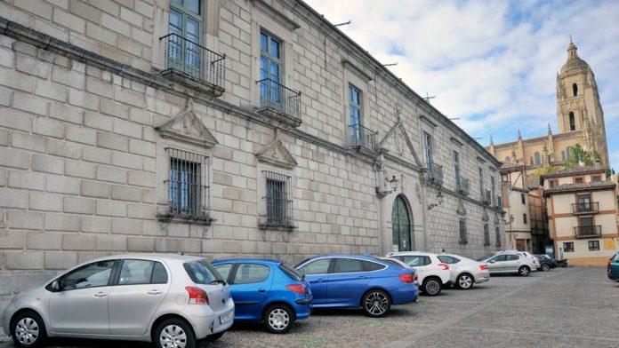 Palacio-Episcopal-Aparcamientos