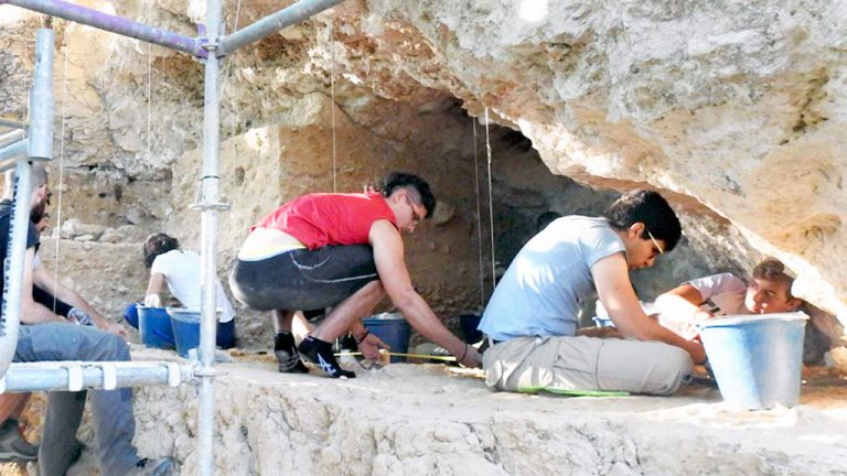 El Abrigo del Molino estuvo ocupado hace cerca de 40.000 años