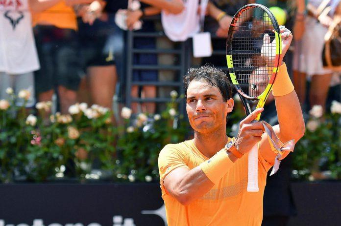 El tenista español Rafa Nadal celebra su victoria ante el italiano Fabio Fognini en los cuartos de final.