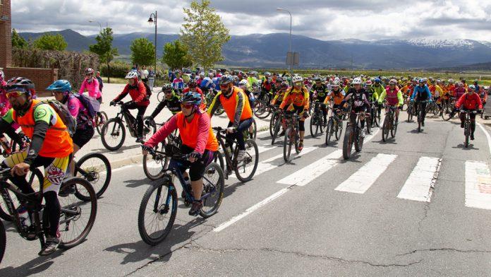 Salida de la concentración de bicis. / Nerea Llorente