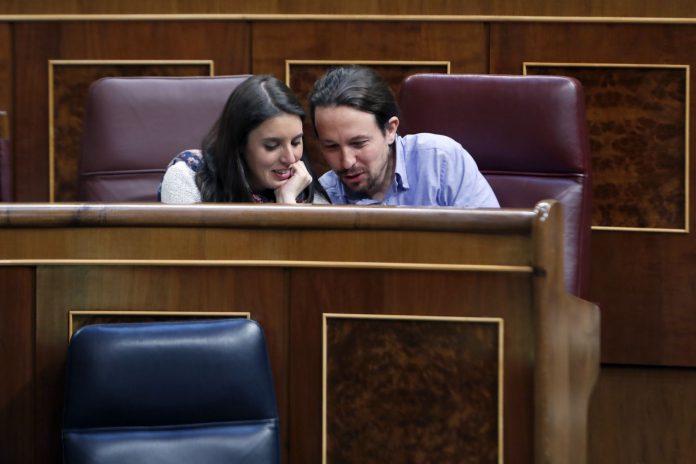 Los dirigentes de Podemos, Irene Montero y Pablo Iglesias.