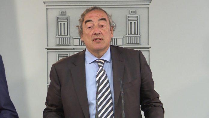 El presidente de la CEOE, Juan Rosell, durante una rueda de prensa.