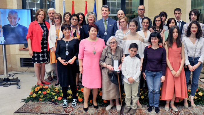 Ayuntamiento-Medalla-Oro-Francisco-Peralta_KAM3991