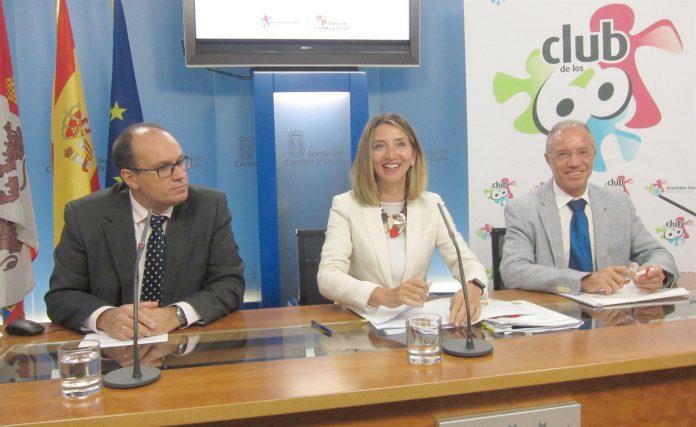 La consejera de Familia e Igualdad de Oportunidades, Alicia García, durante la última rueda de prensa.