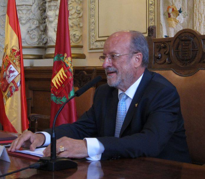 El exalcalde de Valladolid, Francisco Javier León de la Riva.