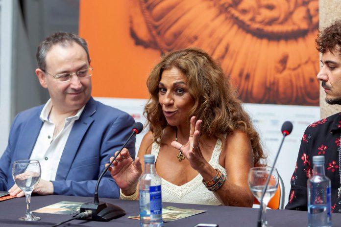 La actriz Lolita Flores durante la presentación de la obra de teatro que protagonizará en la capital extremeña.