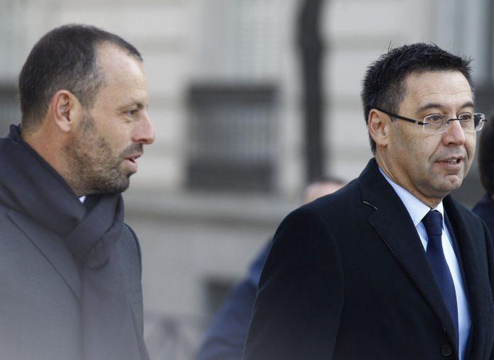 El expresidente del FC Barcelona Sandro Rosell junto al actual mandatario de la entidad, Josep María Bartomeu.