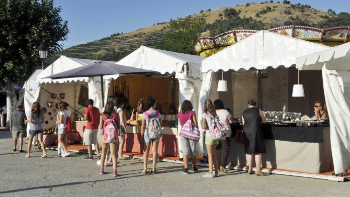 Imagen de archivo de una anterior edición de la Feria de San Rafael. / el adelantado