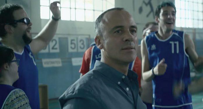 Javier Gutiérrez en la película 'Campeones'.