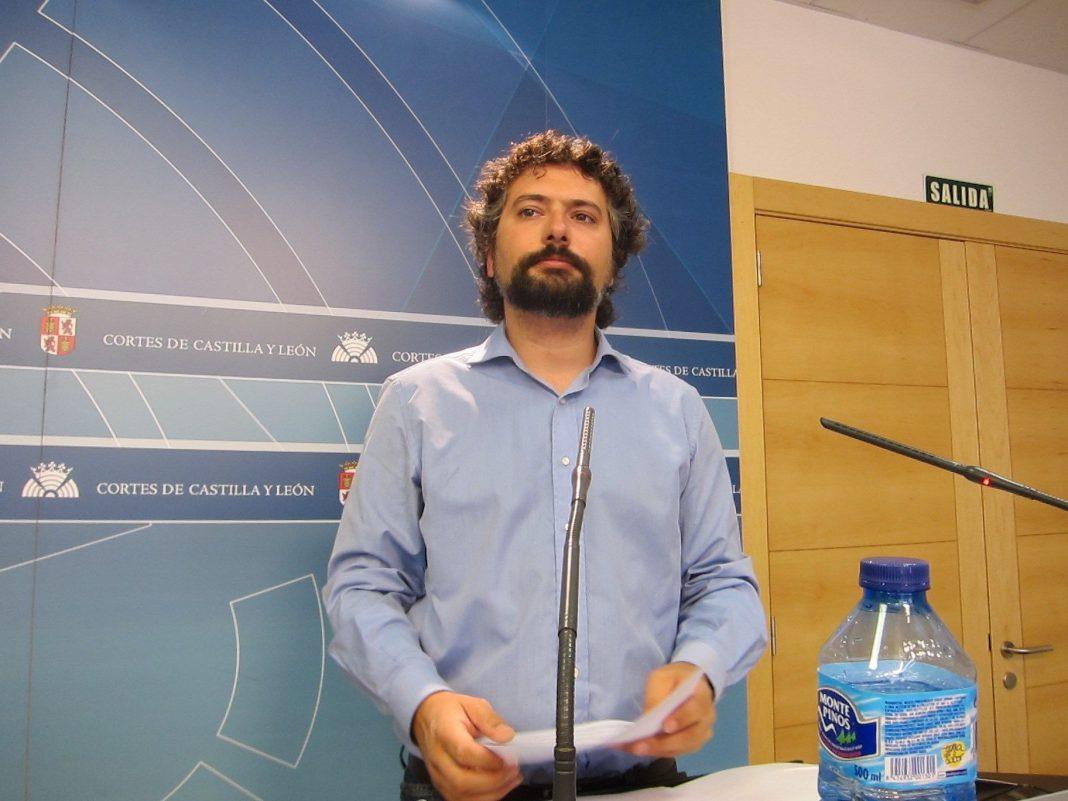 El político José Sarrión es el portavoz del grupo de IU-Equo en Castilla y León.