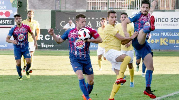 d1-1RocioPardos-futbol-segoviana