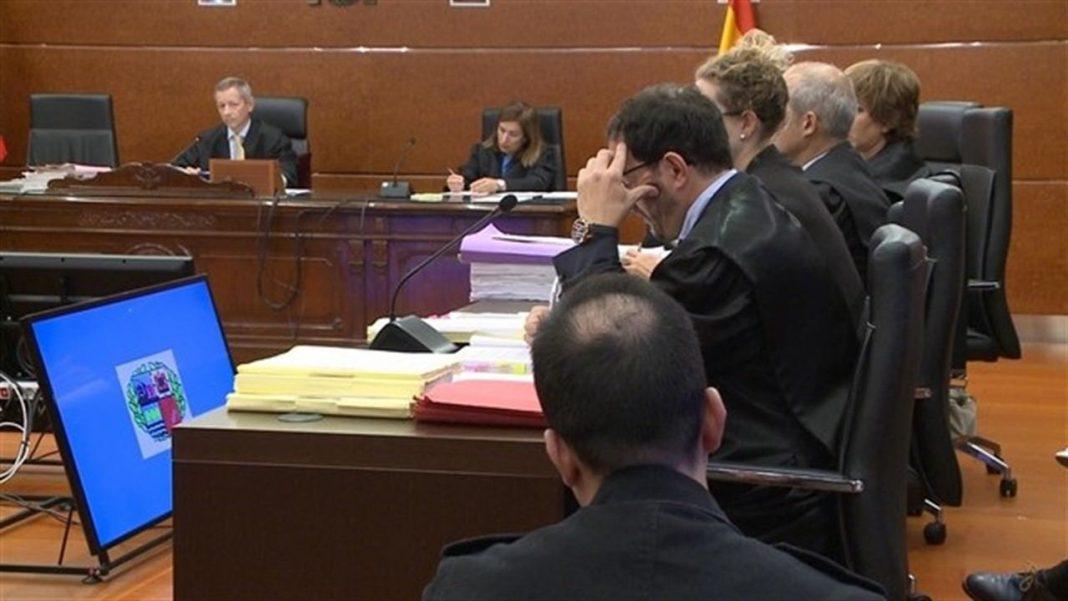 Imagen de un momento del juicio contra Daniel M., el presunto asesino de la bebé Alicia, en la Audiencia de Álava.