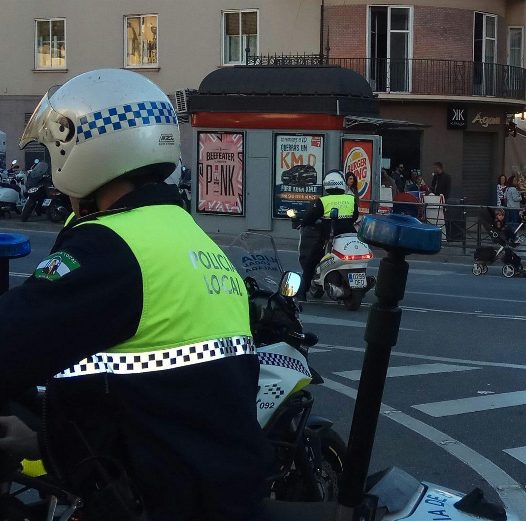 Imagen de dos agentes en moto de la policía local de Málaga, ciudad donde sucedieronn los hechos.