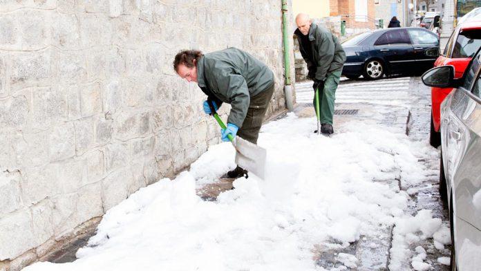 04-1ner-nieve-operarios-municipales