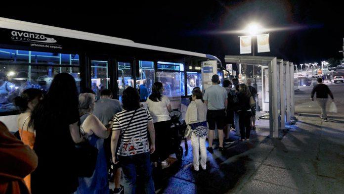 05-1kama_Autobus-Urbano-Nocturno-Buho-Cola_KAM5350