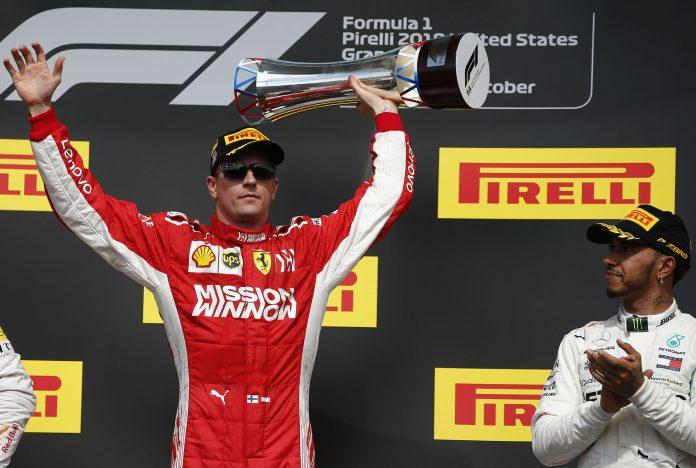 Kimi Raikkonen celebra la victoria en Austin, su primer triunfo desde Australia 2013, con Hamilton (dcha) tercero.
