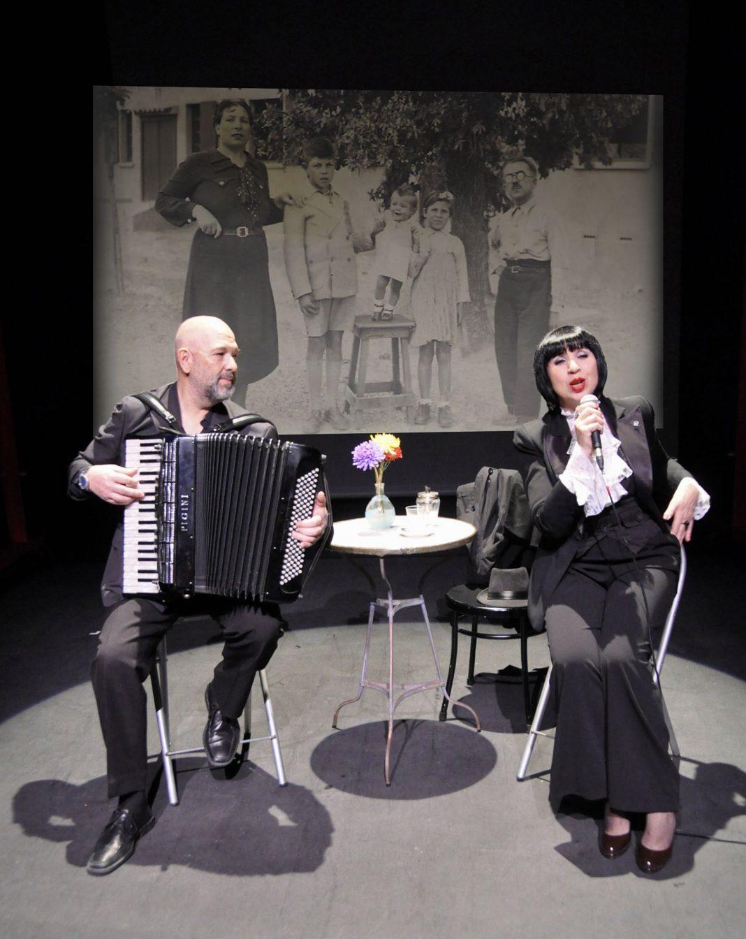 Los hermanos Luisa y Cuco Pérez ofrecerán un concierto de su disco-libro.