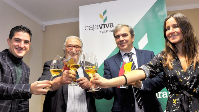 Los representantes de las instituciones y empresas colaboradoras del IX Otoño Enológico.