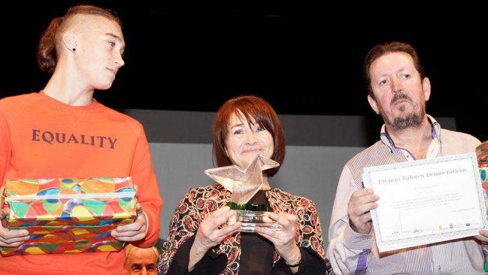 08-1ner-b-premios-valores-democracia