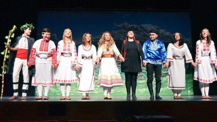 Integrantes del grupo Rodina que hoy subirán de nuevo al escenario del 'Juan Bravo'. / el adelantado