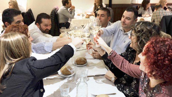 El Restaurante Casares ofreció en su cata vinos de Almansa, Campo de Borja, Jumilla, Rueda y Vinos de la Tierra de Castilla y León. / diego gómez