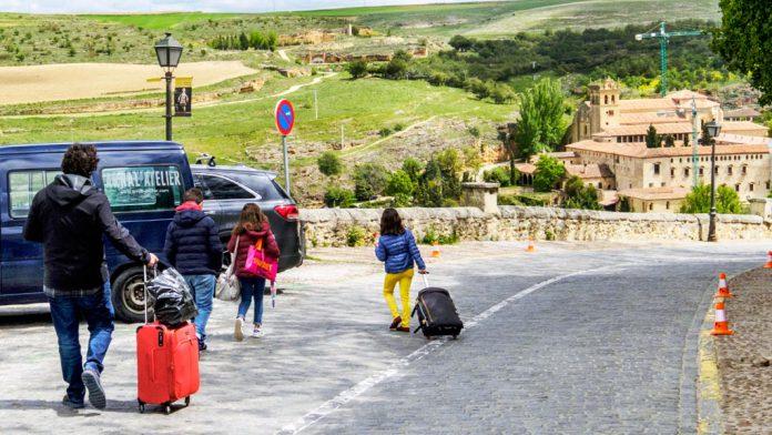 13-1kama_Turistas-Maletas_KAM9172