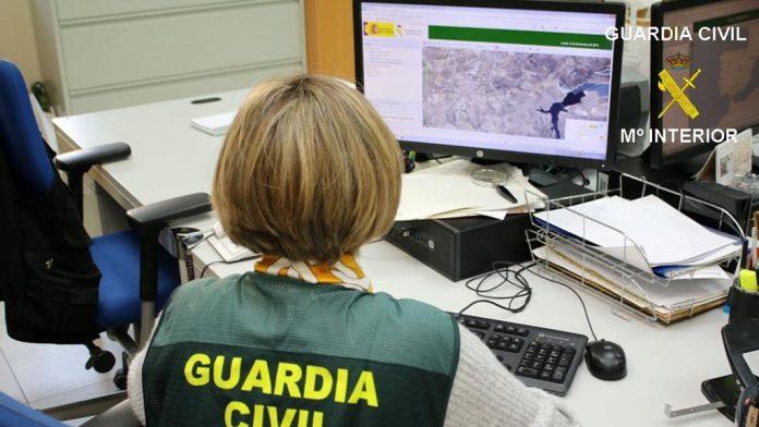 Una denuncia interpuesta en Nava alertó a la Guardia Civil. / el adelantado