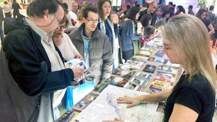 Muchas personas se han interesado en Intur por los recursos turísticos de la provincia. / el adelantado
