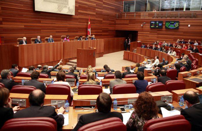 El Pleno aprueba la medida para que se modifiquen los criterios de reparto de fondos en infraestructuras en minería.
