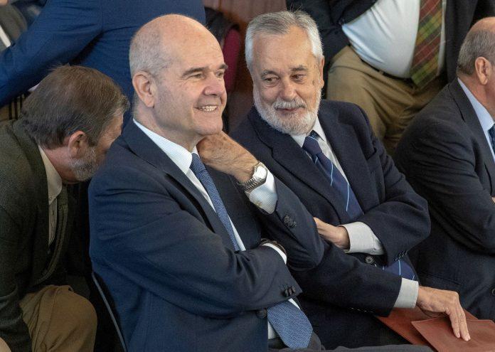 Los expresidentes de Andalucía, Manuel Chaves y José Antonio Griñán.