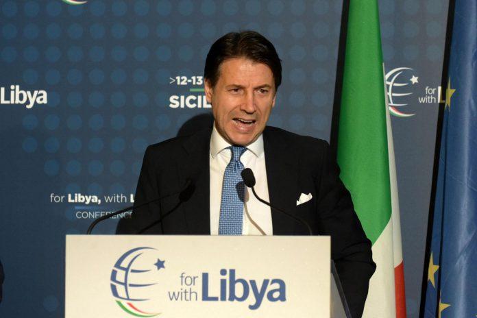 El primer ministro italiano, Giuseppe Conte, en una rueda de prensa.