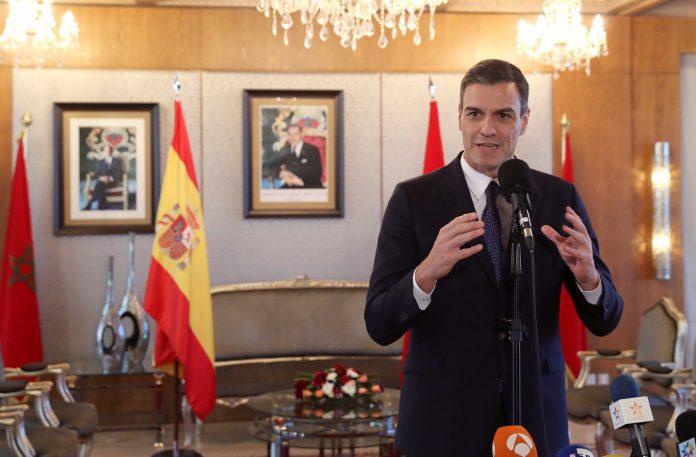 Pedro Sánchez, durante la rueda de prensa ofrecida tras su reunión con el rey de Marruecos, Mohamed VI.