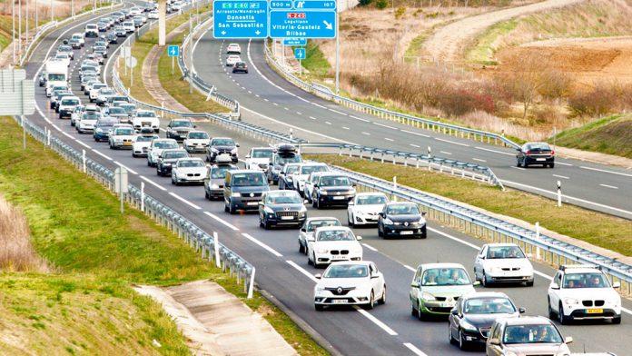 La DGT habilitará carriles adicionales en las carreteras con mayor intensidad de circulación.