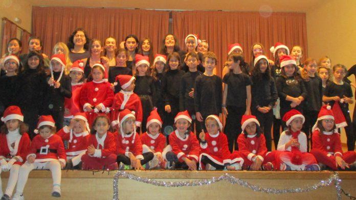 Participantes en una actividad de las Navidades pasadas en Cantimpalos. / LOURDES MATARRANZ
