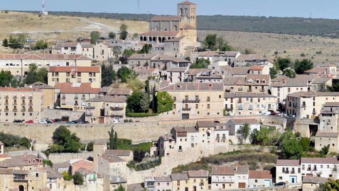 La residencia de mayores de Sepúlveda acoge a personas de toda la comarca. / kamarero
