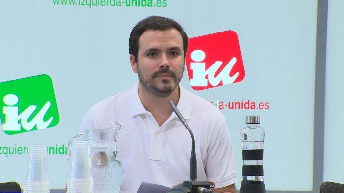 Alberto Garzón destacó en la misiva destinada la militancia la subida del Salario Mínimo a 900 euros.