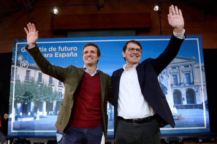 Pablo Casado presenta al candidato popular para la presidencia de la Junta, Alfonso Fernández Mañueco.