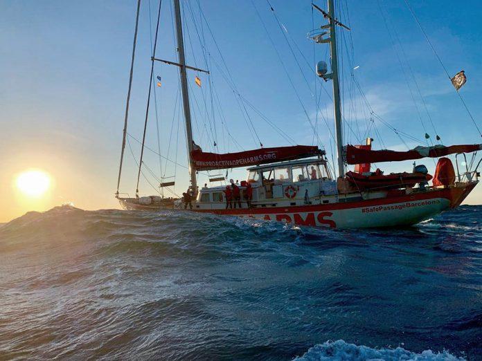 Imagen facilitada por la ONG del buque que llega hoy a las costas españolas.