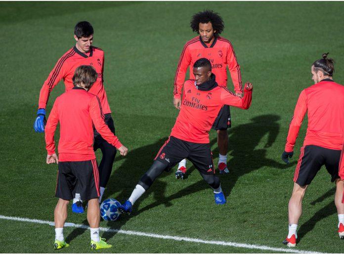 Vinicius (centro) podría tener una nueva oportunidad ante el CSKA, con el Real Madrid clasificado como primero.