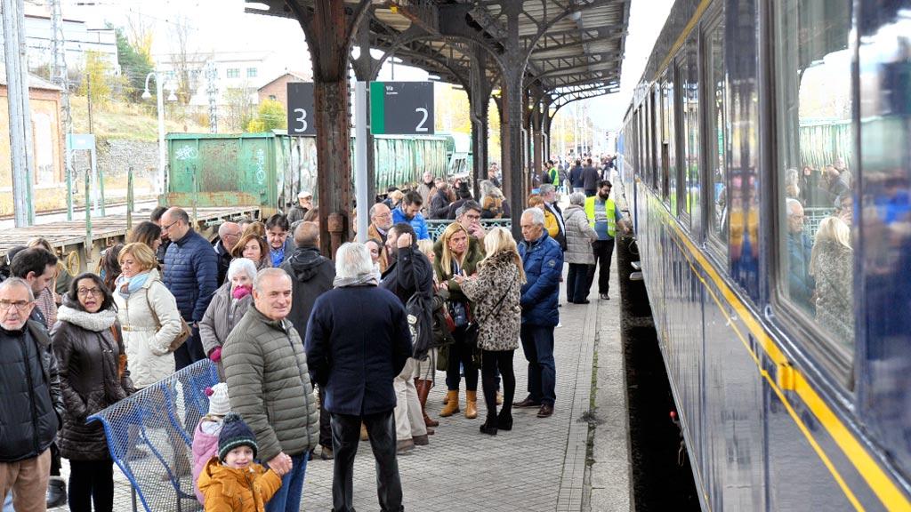 56-1kama_Estacion-Tren-Renfe-130-Aniversario-Segovia-Villalba_KAM9197