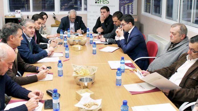 Un momento del primer encuentro celebrado en las instalaciones de Copese, en Coca, con la asistencia de empresarios de la comarca. / E.A.