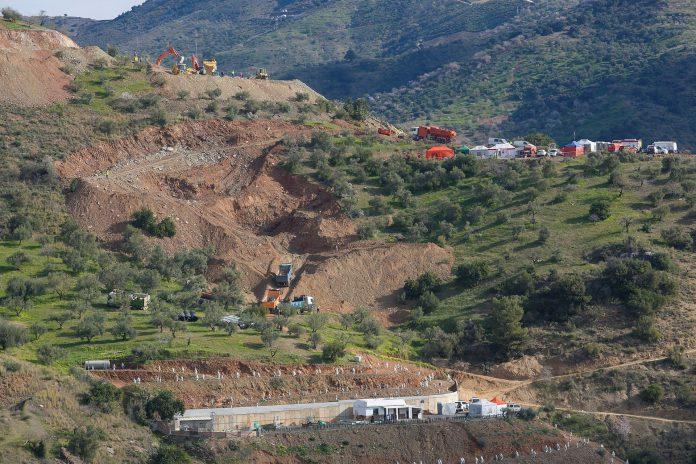 Ladera sur donde se están llevando a cabo las labores de rescate de Julen, el niño caído en un pozo desde el domingo.