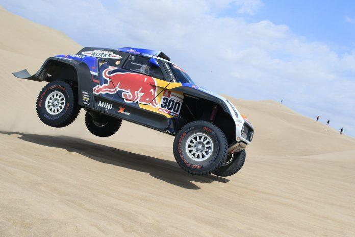 Sainz, durante la disputa de la primera etapa del Dakar.