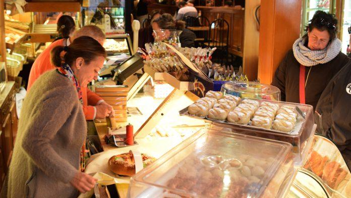 Los roscones de Reyes son los productos estrella en las pastelerías segovianas estos días.