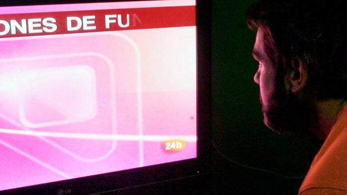 La gran variedad de contenido que ofrecen los paquetes de canales de la televisión de pago animan a los españoles a desembolsar cierta cantidad de dinero mensual.