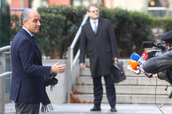El expresidente valenciano, Francisco Camps, a su llegada a la Audiencia Nacional donde declaró por la trama Gürtel.