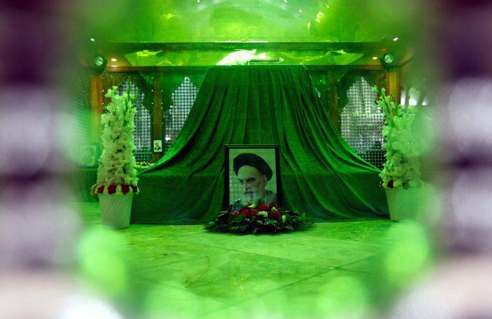 Mausoleo del fundador de la República Islámica en Irán, Ruhallah Jomeini, en la capital del país, Teherán.